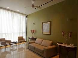 Guest Room: eclectic Bedroom by bhatia.jyoti