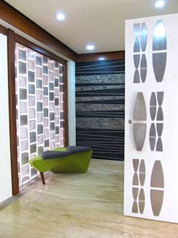Interior of Rajesh Patel:  Corridor & hallway by Architects at Work