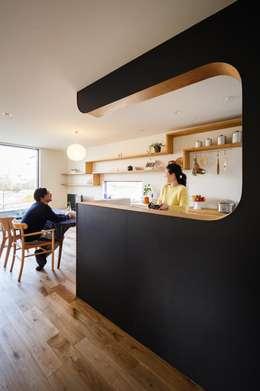 ダイニングキッチン: 株式会社seki.designが手掛けたキッチンです。