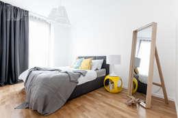 Mocny akcent : styl , w kategorii Sypialnia zaprojektowany przez Decoroom