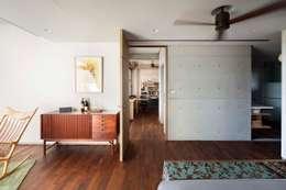 簡單的臥房:  臥室 by 前置建築 Preposition Architecture