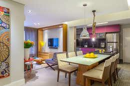 São Caetano 53: Salas de estar modernas por Casa 27 Arquitetura e Interiores