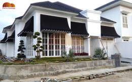 Canopy Kain Bandung:  Balconies, verandas & terraces  by Putra Canopy