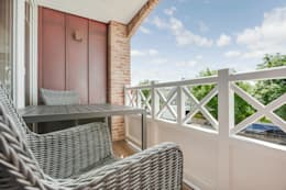 Terrazza in stile  di Home Staging Sylt GmbH