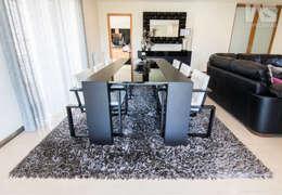 Sala de Jantar - Leça da Palmeira, Matosinhos: Sala de jantar  por IAS Tapeçarias