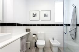 industrial Bathroom by Aguilar Arquitectos