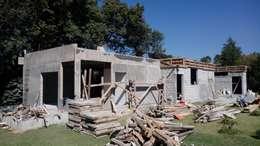 Casas de estilo rural por taller garcia arquitectura integral