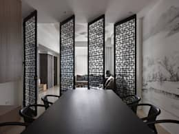 asian Dining room by Glocal Architecture Office (G.A.O) 吳宗憲建築師事務所/安藤國際室內裝修工程有限公司