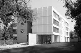 Los Cedros I: Casas de estilo moderno por Numair & Arquitectura