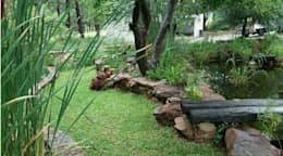 country Garden by Young Landscape Design Studio