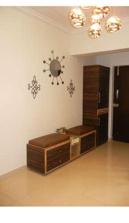 Foyer shoe unit :  Corridor, hallway & stairs  by Interiors By Suniti