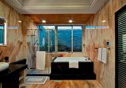 浴室:  浴室 by 世家新室內裝修公司