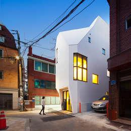辦公室&店面 by (주)건축사사무소 더함 / ThEPLus Architects