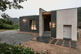 Casas de estilo moderno por Design Anche