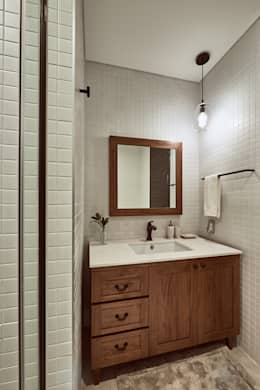 Baños de estilo moderno por Design Anche