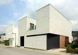 Rumah by 아키누스(건축동인) 건축사사무소