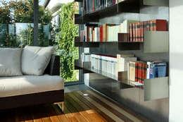 UN GIARDINO D'INVERNO A MILANO: Giardino d'inverno in stile in stile Moderno di T+T ARCHITETTURA