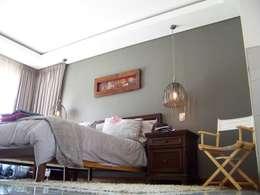 House [MWARF]: modern Bedroom by jonroy design studio