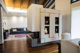 Salas de estilo moderno por Mariapia Alboni architetto
