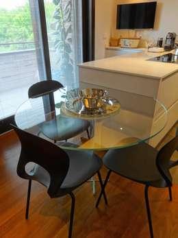 Cocinas de estilo moderno por Mariapia Alboni architetto