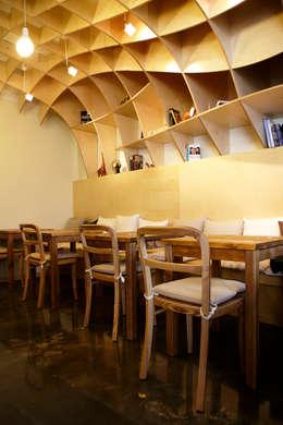 Cafe Marron: 유닛레스의  상업용 공간
