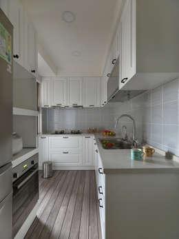 美式人文:  廚房 by 倍果設計有限公司