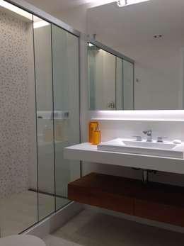 Banheiro suite: Banheiros modernos por daniela kuhn arquitetura