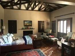 Bedroom: eclectic Bedroom by CS DESIGN