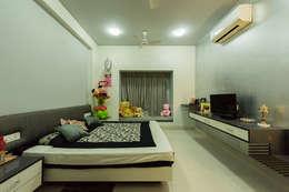 Sanchetna: modern Bedroom by Ankit Goenka