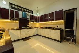 modern Kitchen by Ankit Goenka