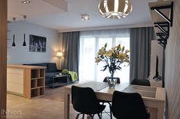 Salones de estilo escandinavo de INNers - architektura wnętrza