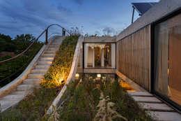 Casa MeMo - VIVIENDA UNIFAMILIAR ICONO DE LA SUSTENTABILIDAD : Casas de estilo moderno por BAM! arquitectura
