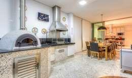Cocinas de estilo ecléctico por Aleggra Design & Arquitetura - Janaina Naves