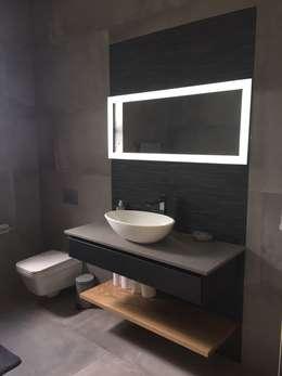 House Verster - Johannesburg : modern Bathroom by Graftink Interior and Architectural Design Studio
