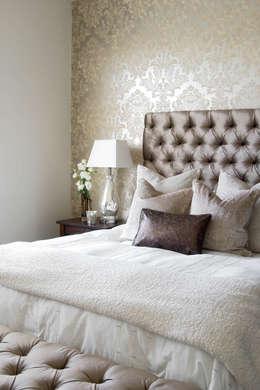 غرفة نوم تنفيذ Peter Thomas Interiors