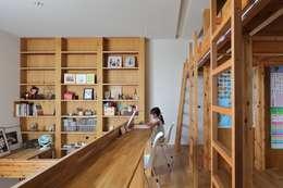 modern Nursery/kid's room by 藤原・室 建築設計事務所