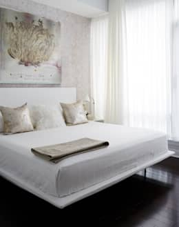 modern Bedroom تنفيذ Douglas Design Studio