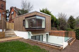 Casas de estilo moderno por Frost Architects Ltd