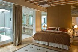 modern Bedroom by Arquitecta MORIELLO