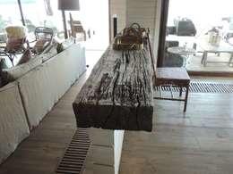 Comedores de estilo moderno por David y Letelier Estudio de Arquitectura Ltda.