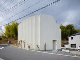 Rumah by 藤原・室 建築設計事務所