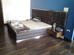 bed: minimalistic Bedroom by K2 Interiors