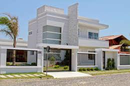 Casas de estilo moderno por Arquiteta Luana Turatti