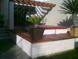 New Project: Jardines de estilo moderno por Arq. Beatriz Gómez G.
