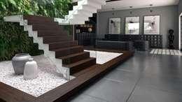 Paisajismo de interiores de estilo  por 8|Haus