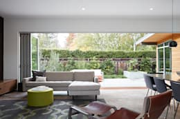 San Carlos Midcentury Modern Remodel: modern Living room by Klopf Architecture