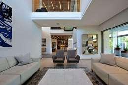 Project Stellenbosch: modern Living room by Dear Zania Interiors