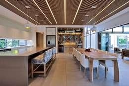 Project Stellenbosch: modern Dining room by Dear Zania Interiors
