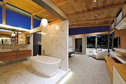 Project Stellenbosch: modern Bathroom by Dear Zania Interiors