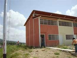 Vivienda original: Casas de estilo moderno por MARATEA Estudio